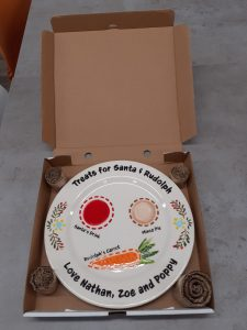 Plate in the delivery box
